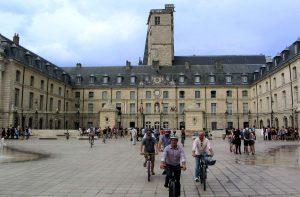 Balade à Dijon à vélo : culture, gastronomie et sport !