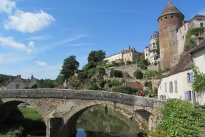 Balade à vélo à Semur-en-Auxois, village médiéval